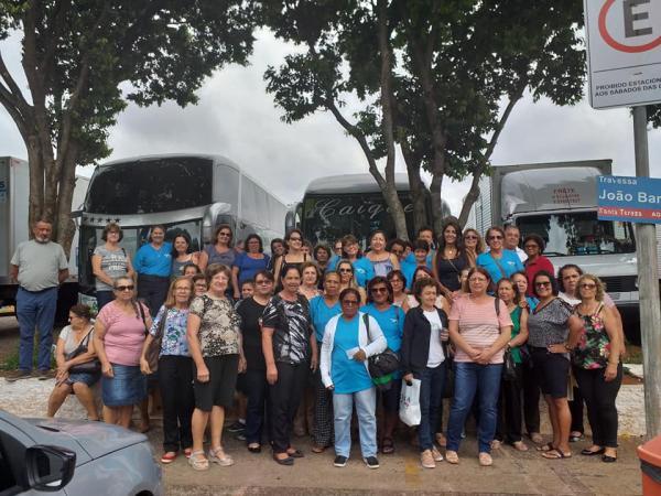 Grupo da Feliz Idade de Grama foi conhecer a capital do bordado/Ibitinga