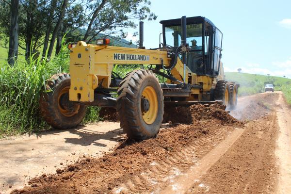 Prefeitura de Grama reinicia a manutenção das estradas rurais