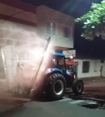 Prefeitura realiza desinfecção das ruas